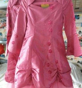 Платье новое нарядное р. 122 и 134