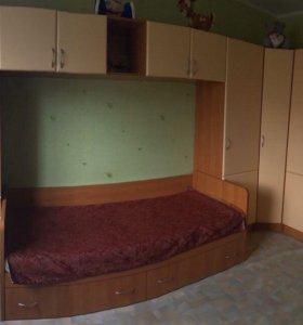 Продам угловую стенку с кроватью