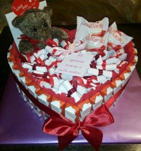 Тортик из сладостей + 101 причина любви -53