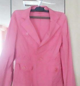 Продам пиджак ,размер 46-48