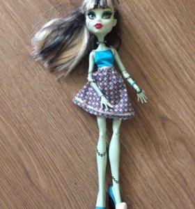 Кукла Френки Штейн с гардеробом
