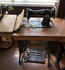 Швейная машина антиквариат