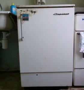 Холодильник Саратов .