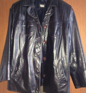 Кожаная куртка,демисезон, верхняя одежда