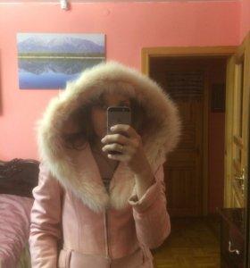 Кожаная куртка на замке