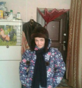 Шапка норковая и цветная зимняя куртка лыжная
