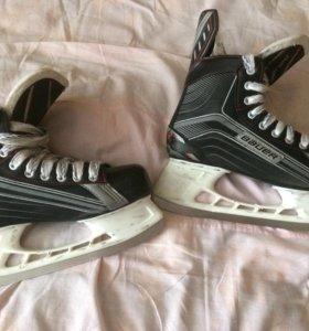 Коньки хоккейные Bauer x200