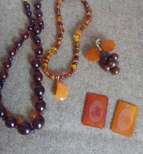 Продам бусы из природных камней
