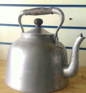 Чайник литой 50 года