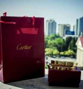 Стильные браслеты Cartier love