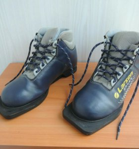 Лыжные ботинки, кожанные