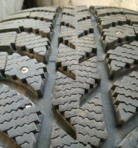 Шины б/у зимние (зима) шипованные Bridgestone