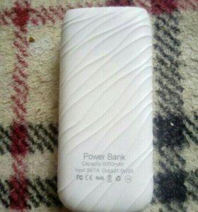 Продам Power Bank на 6000mAh торг.