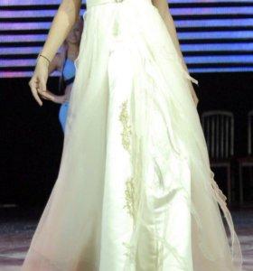 Платье свадебное / выпускное