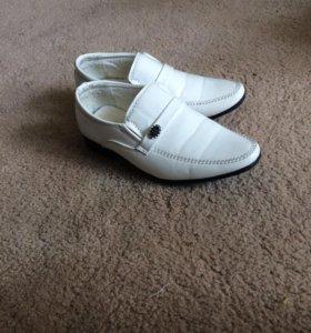 Туфли на мальчика р.24