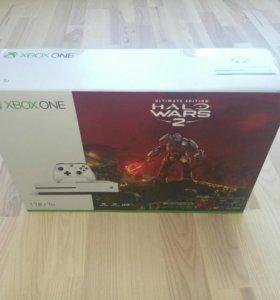 Xbox One S 1TB Halo Wars 2