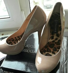 Лаковые туфли 39 р-р