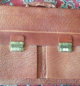 Новый кожаный портфель