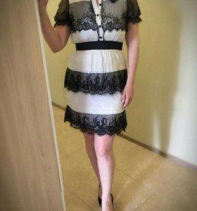Хлопковое платье в сочетании с гипюром