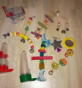 Игрушки и принадлежности для попугаев