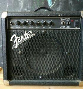 комбик гитарный Fender