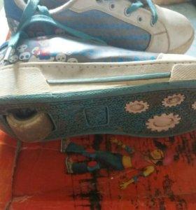 Роликовые кроссовки. Размер 34.