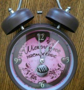 Красочный шоколадный будильник
