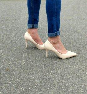 Туфли новые 37 маломер на 36