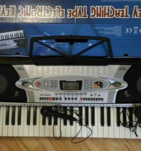 Синтезатор новый 54 клавиши