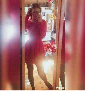 Срочно! Платье красное