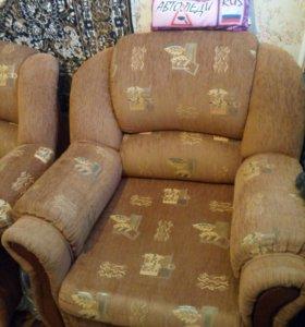 Продам угловой диван + кресло-кровать