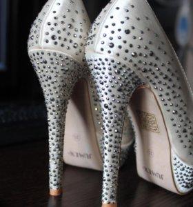 Новые туфли Jumex