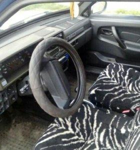 Автомобиль ваз 2109.