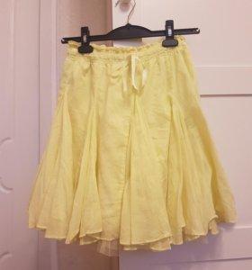 Красивая яркая желтая легкая качественная юбочка