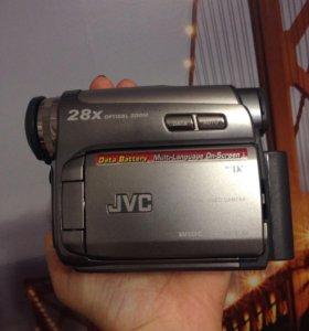 Видеокамера.GR-D720
