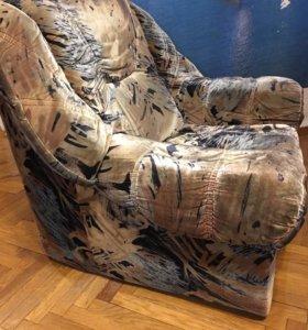 Кресло польское мягкое в хорошем состоянии