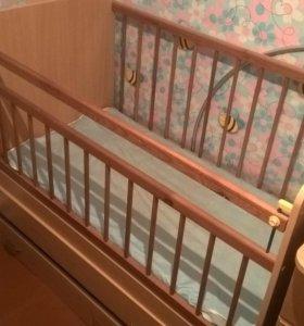 Продам детскую кроватку. Срочно!!!!