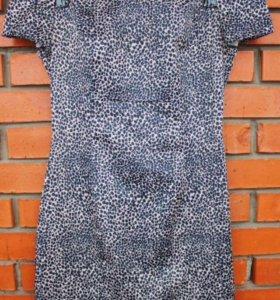 Атласное эффектное платье