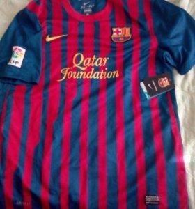 Футболка футбольного клуба Барселона.
