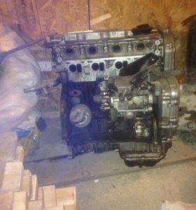 Двигатель дизельный, на Ниссан альмера тино.
