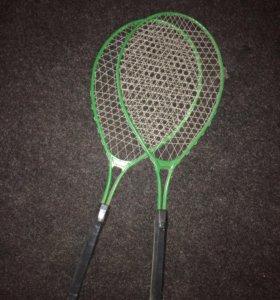 Ракетки для тенниса и бадминтона