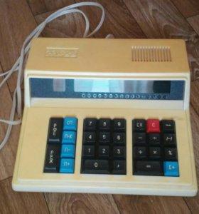 Раритетный калькулятор Электроника-МК-59