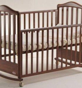 Детская кровать б/у Papaloni