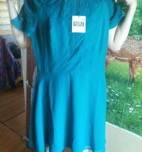 Бирюзовое платье из тонкого материала