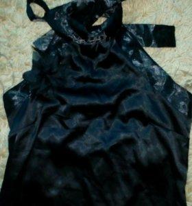 Атласное коктейльное платье