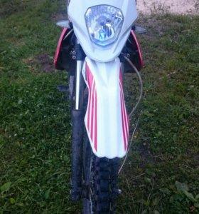 Мотоцикл ZR 200