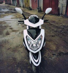 Скутер Raser
