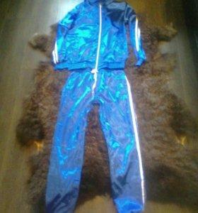 Новый атласный костюм