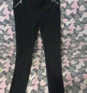 Трикотажные брюки-лейгенсы