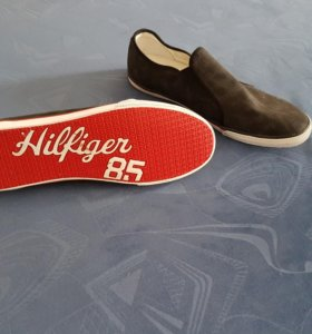 Tommy Hilfiger 85